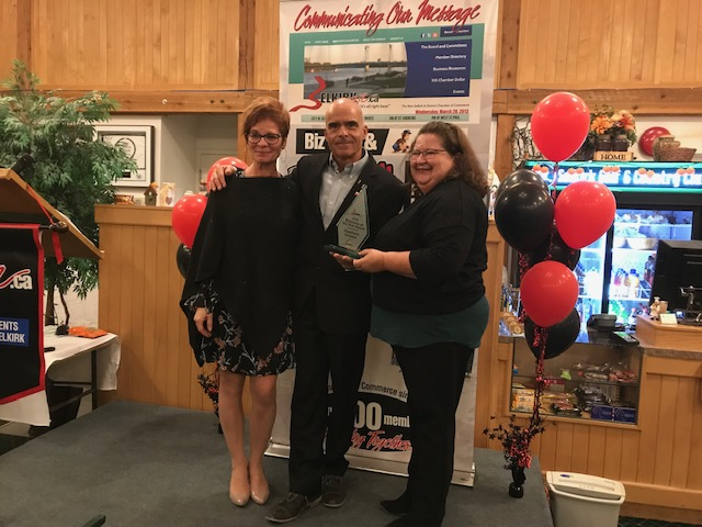 Selkirk Biz 2018 Business of the Year Award winners Roberta And Tammy Belanger of Hawthorne Estates